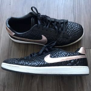 le scarpe nike tennis classic ultra premium qlt size9 poshmark